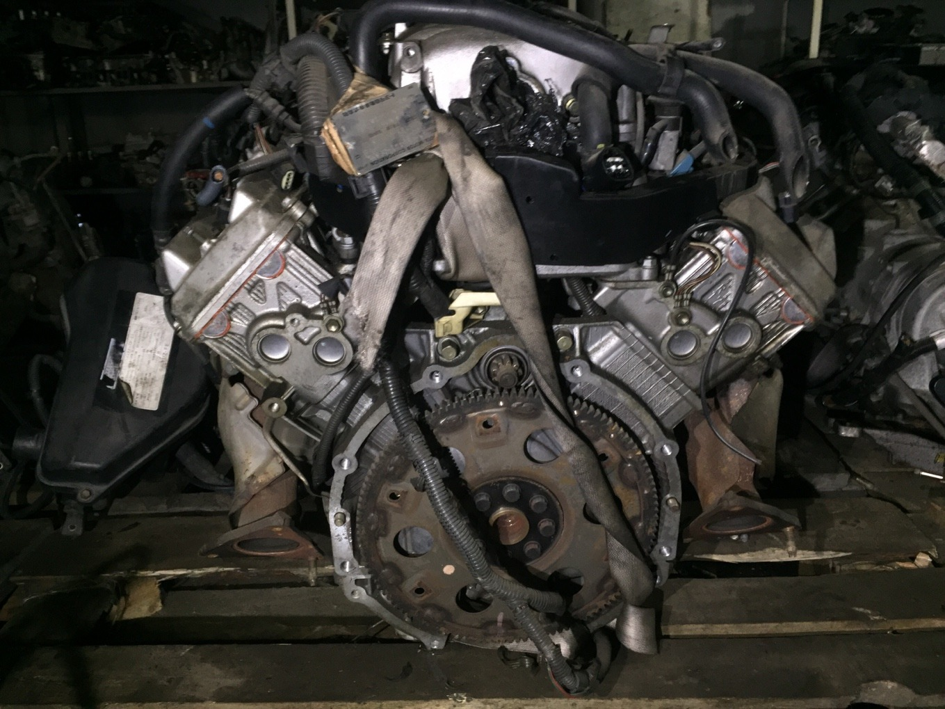 Двигатель Toyota Crown Majesta UZS171 1UZFE