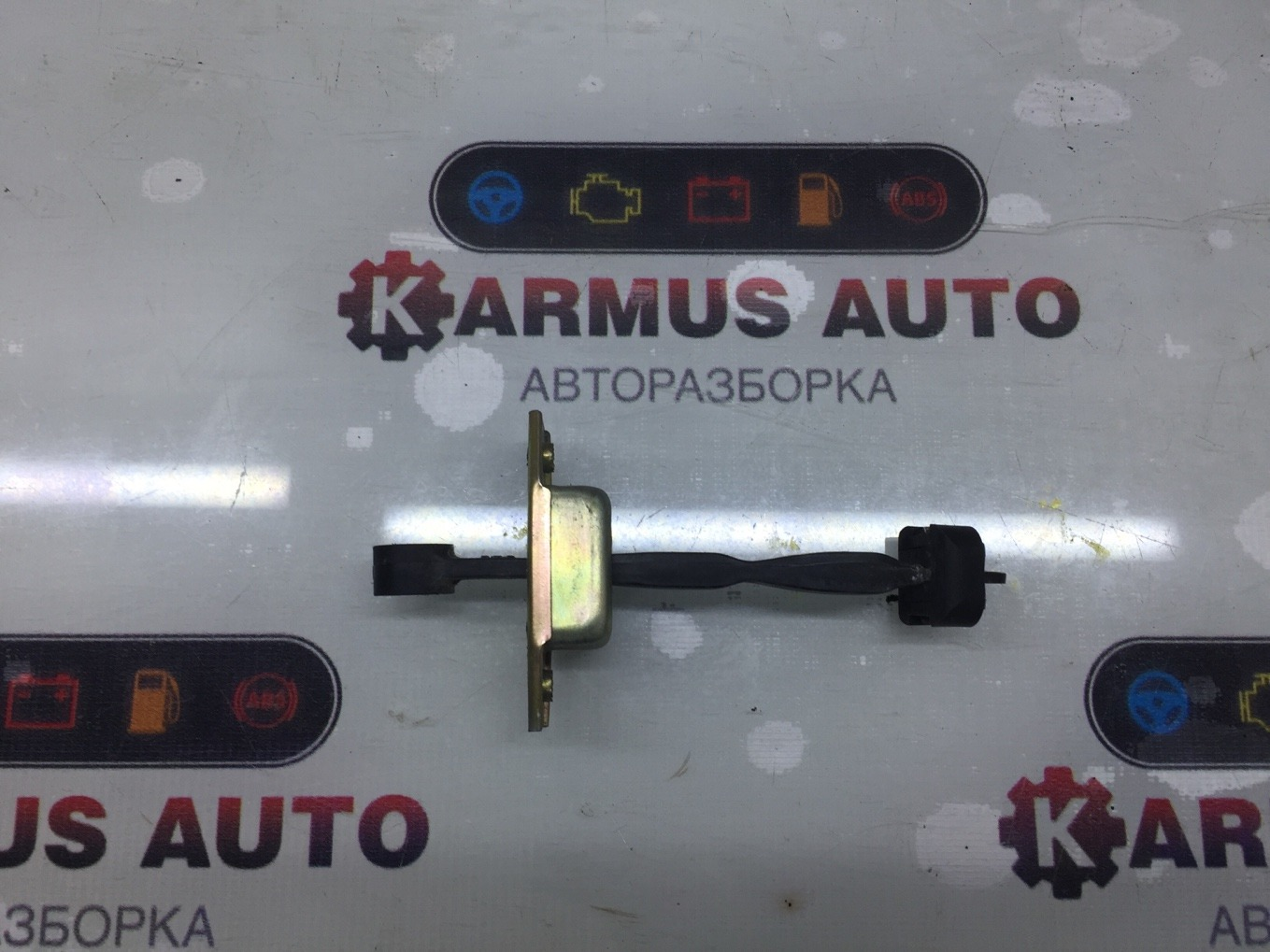 Ограничитель двери Toyota Mark Ii GX100 1GFE задний левый