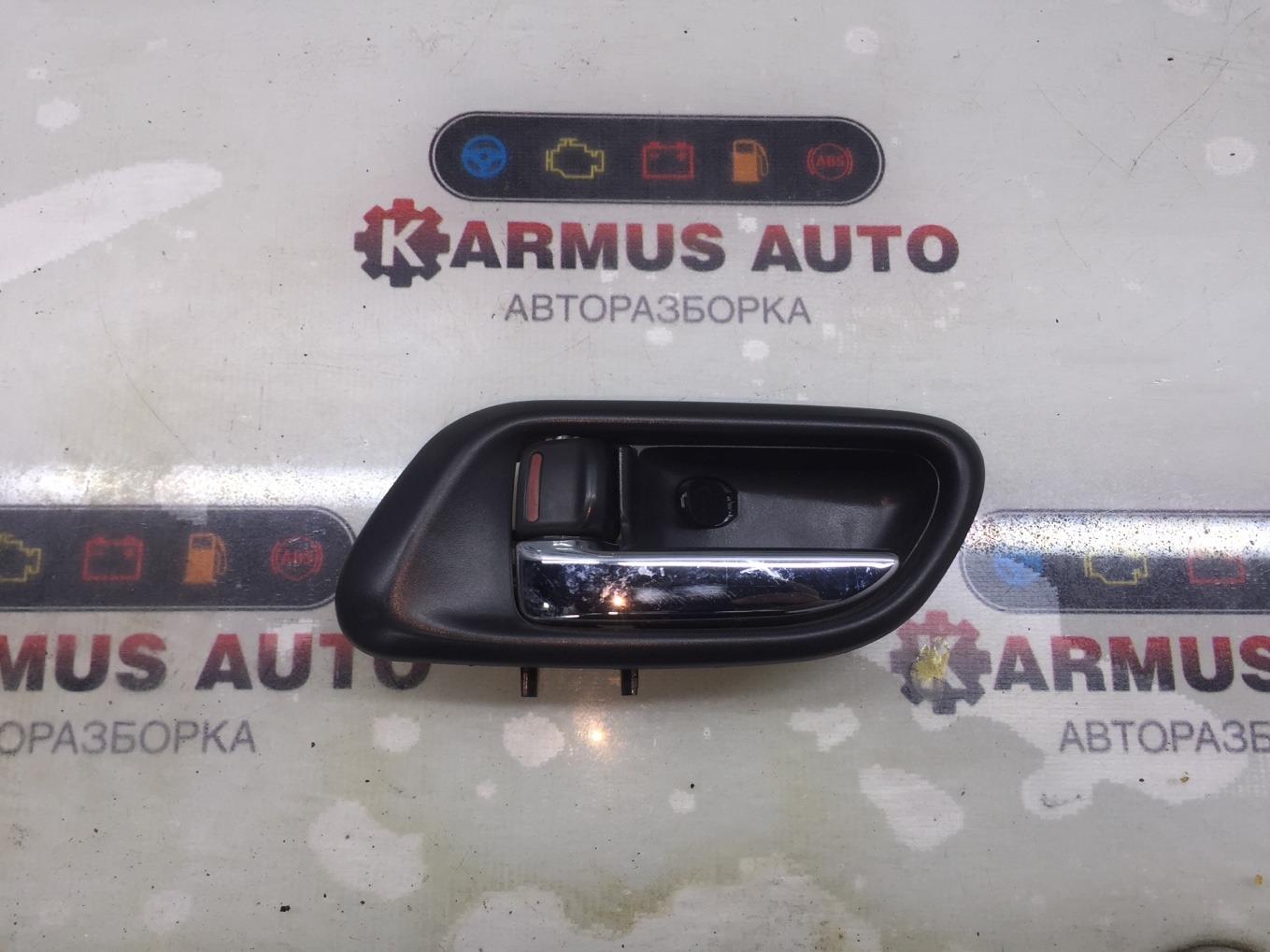 Ручка двери внутренняя Subaru Forester SG5 EJ202 левая