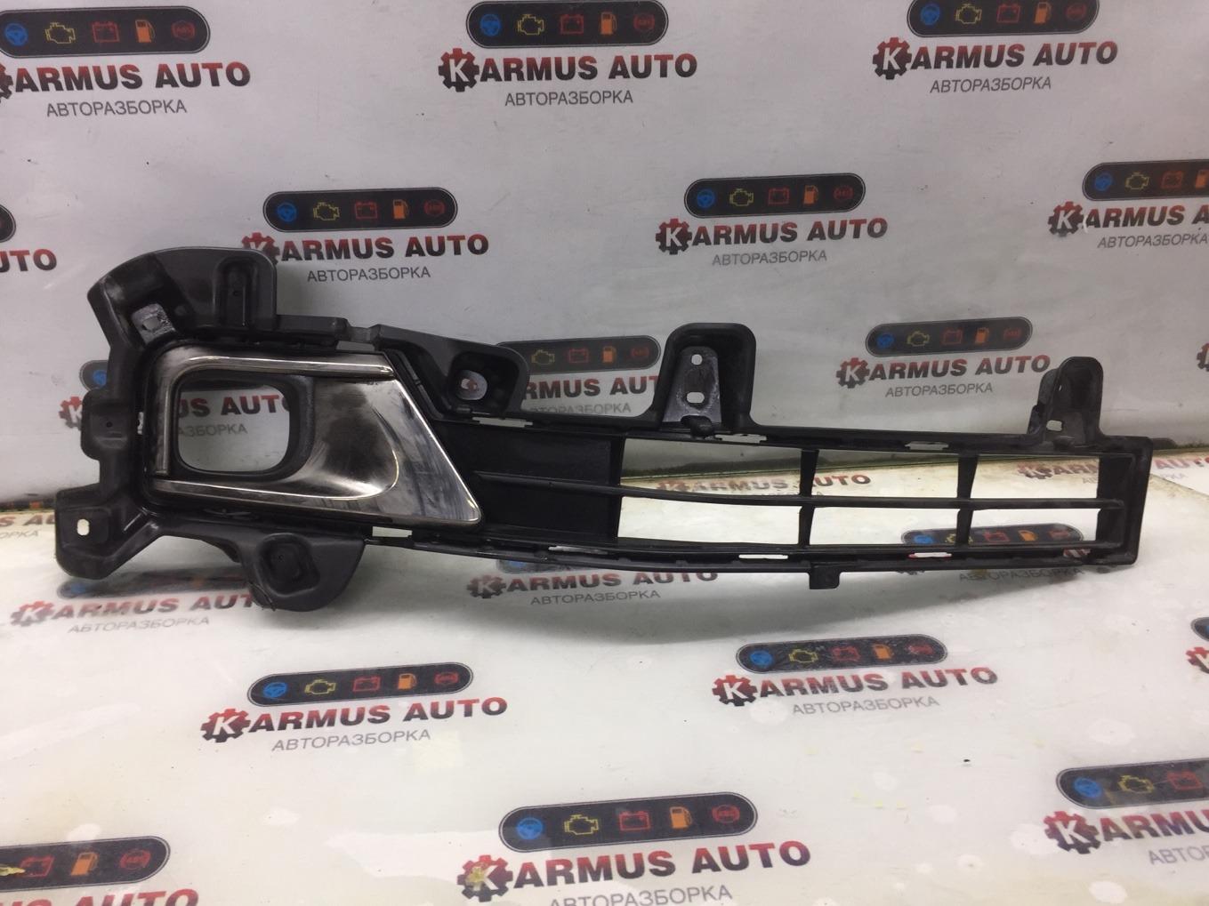 Решетка в бампер Toyota Land Cruiser UZJ200W 2UZFE передняя правая