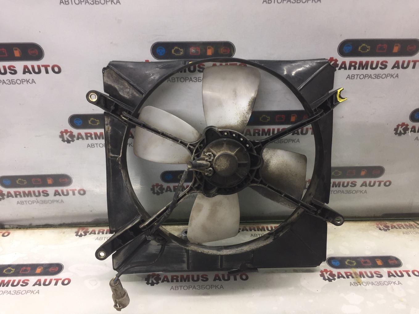 Диффузор радиатора Toyota Chaser SX80 4SFI 1990