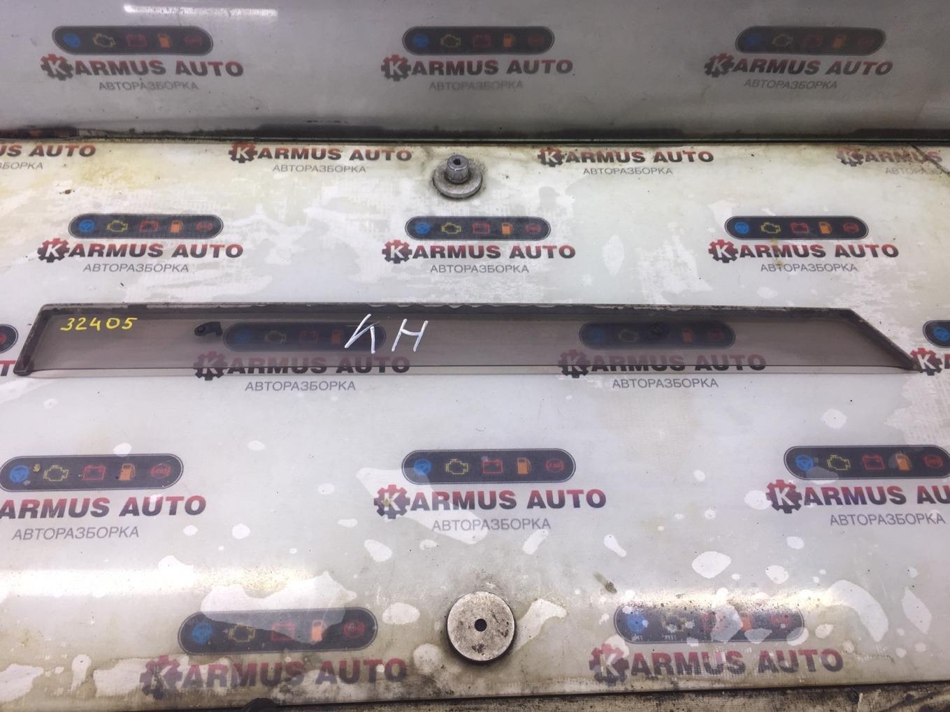 Ветровик Toyota Avensis AZT250 1AZFSE задний левый