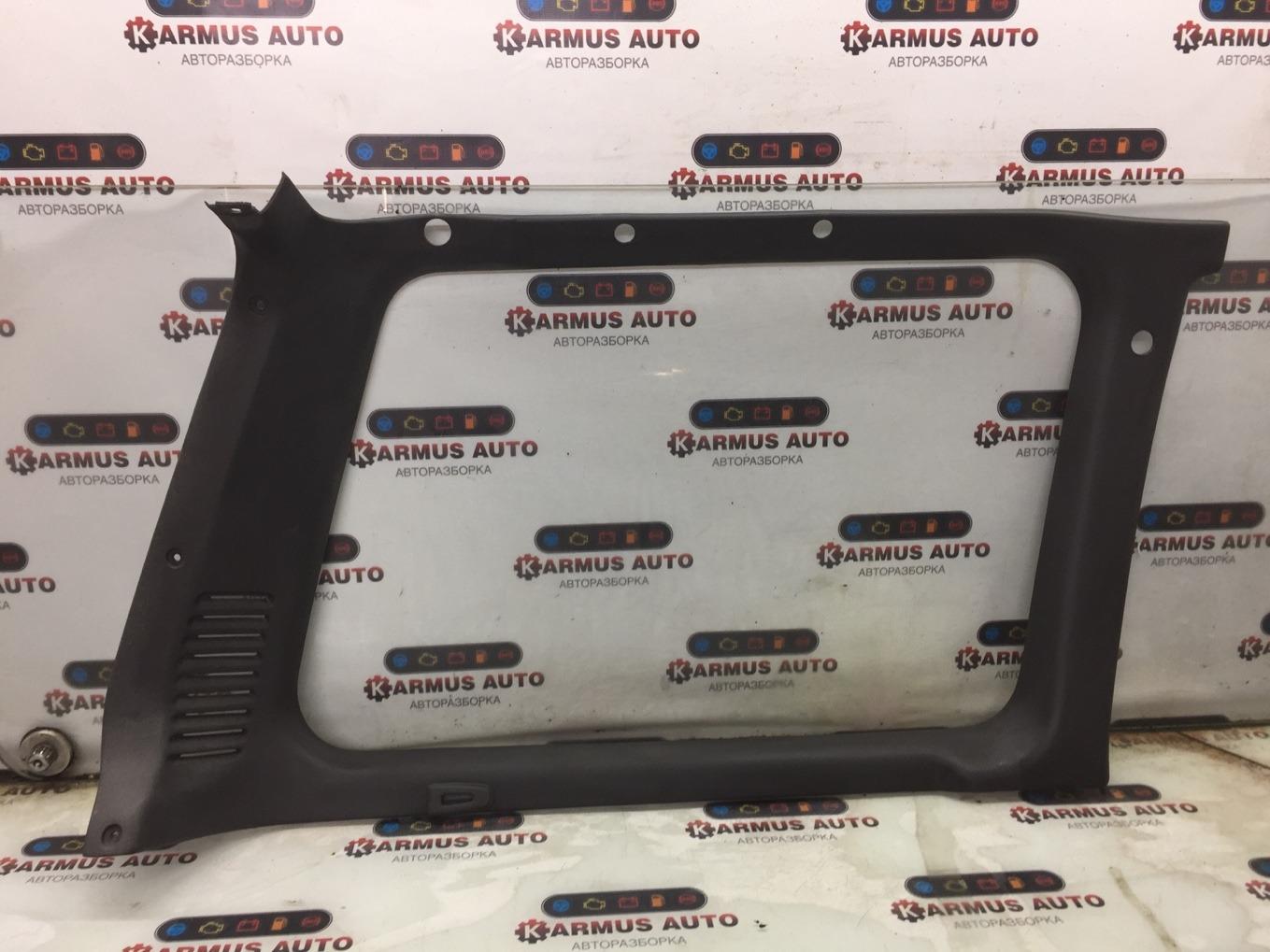 Обшивка багажника Mitsubishi Pajero V44W 4D56 левая