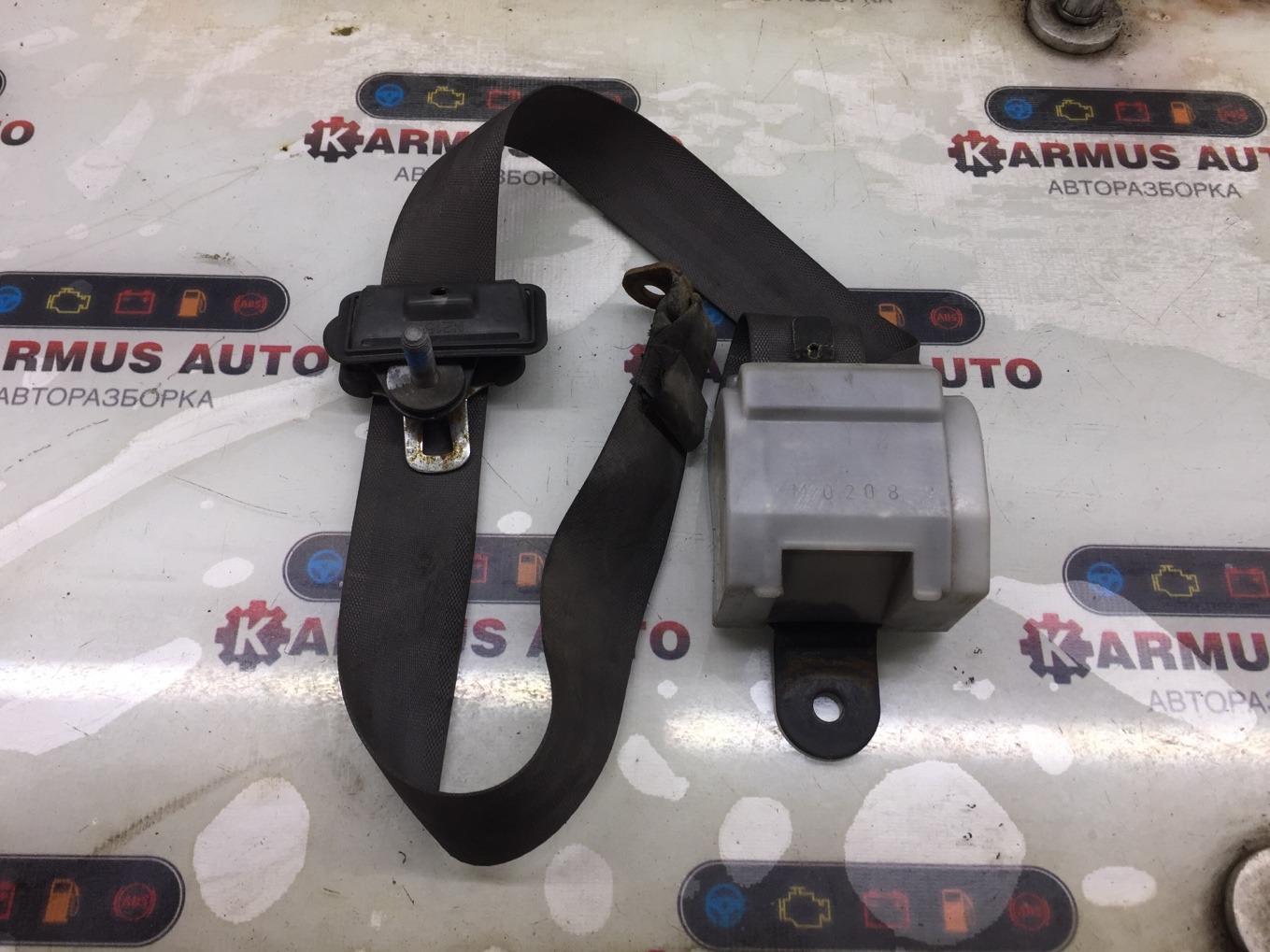 Ремень безопасности Mitsubishi Pajero V44W 4D56 задний правый