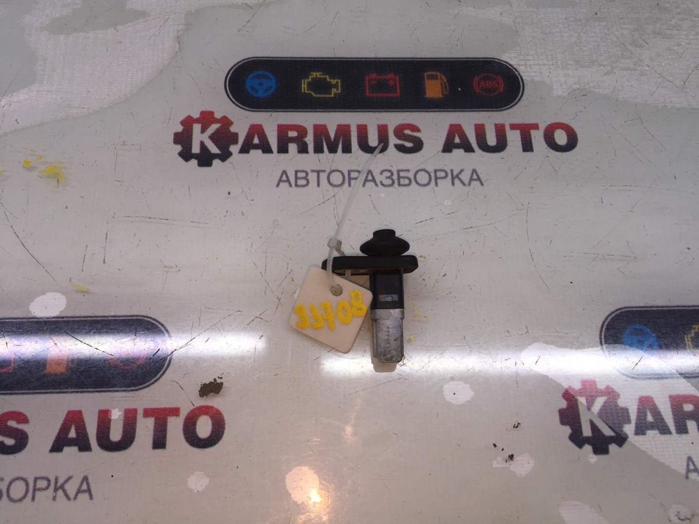 Концевик двери Mitsubishi Pajero V44W 4D56 задний