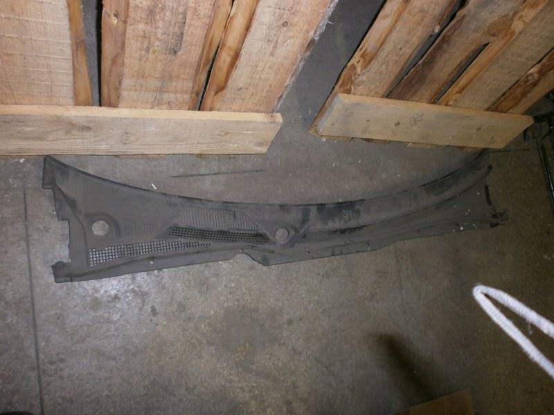 Решетка под лобовое стекло Nissan Bluebird Sylphy TG10, FG10, QNG10, QG10 QG18 2004