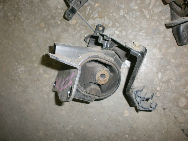 Подушка двигателя Toyota Allion AZT240, NZT240, ZZT245, ZZT240 левая