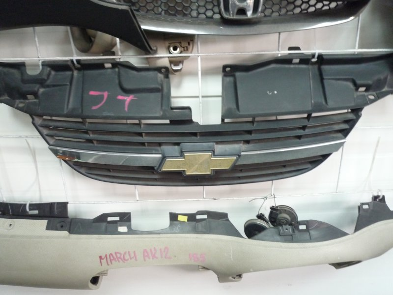 Решетка радиатора Chevrolet Cruze HR52S 2003