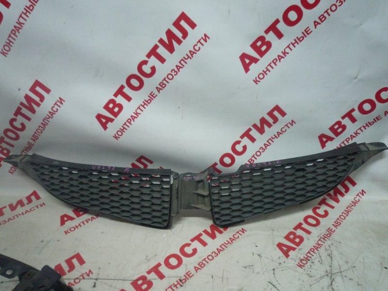 Решетка радиатора Toyota Voltz ZZE136 2003 правая