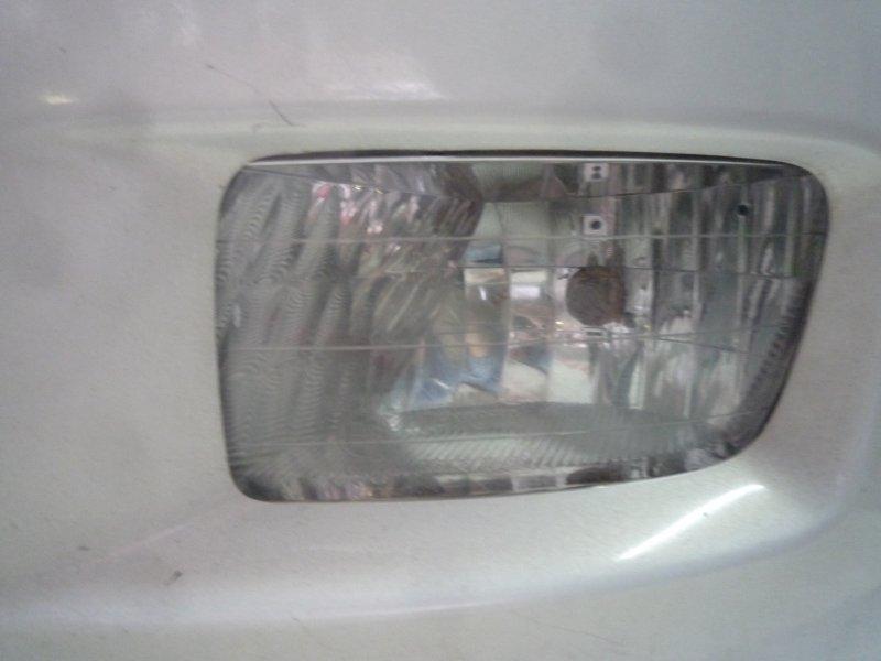 Туманка Toyota Isis ZNM10G, ZNM10W, ANM10G, ANM10W, ANM15G, ANM15W,ZGM10G, ZGM10W, ZGM11G, ZGM11W, ZGM15G, ZGM15W 1AZ 2006 левая