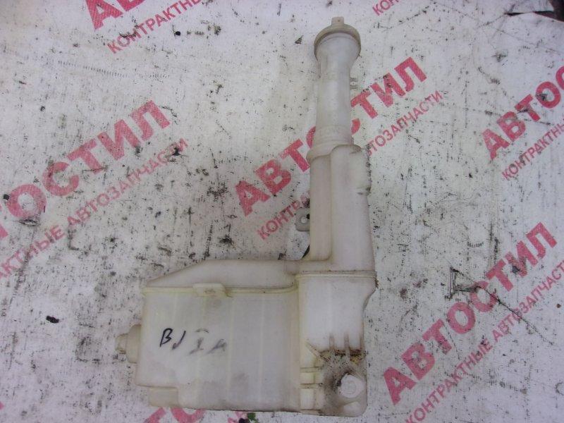 Бачок стеклоомывателя Mazda Familia BJ3P, BJ5P, BJFP,BJEP,BJ5W, BJ8W, BJFW ZL 2003