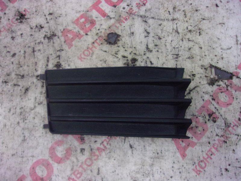 Заглушка бампера Nissan Wingroad WFY11, WHNY11, WHY11, WPY11,WRY11 QG15 2002 правая