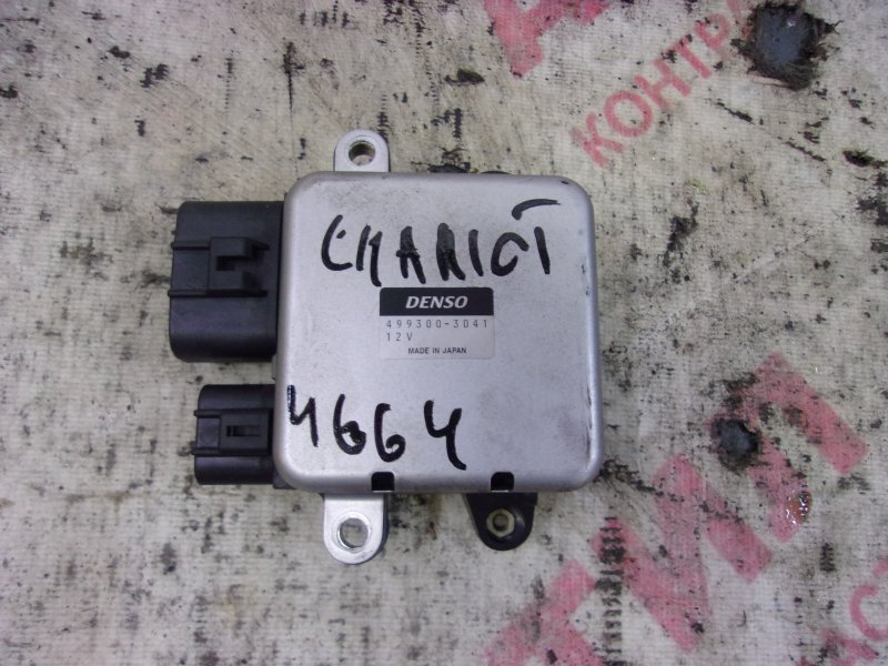Блок управления вентилятором охлаждения двс Mitsubishi Chariot Grandis N84W, N86W, N94W, N96W 4G64 2000