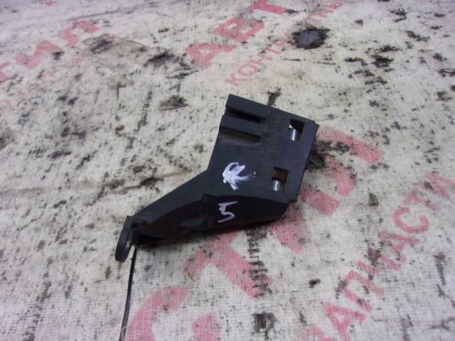 Кронштейн крепления фонаря указателя поворота Bmw 3-Series E46 N42B20 2003 передний правый