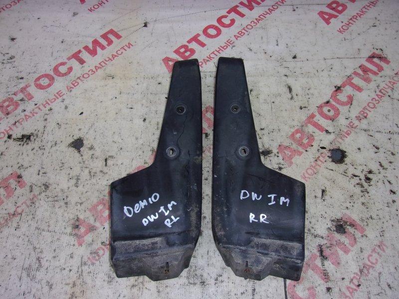 Подкрылок Mazda Demio DW3W, DW5W B3 2000 задний