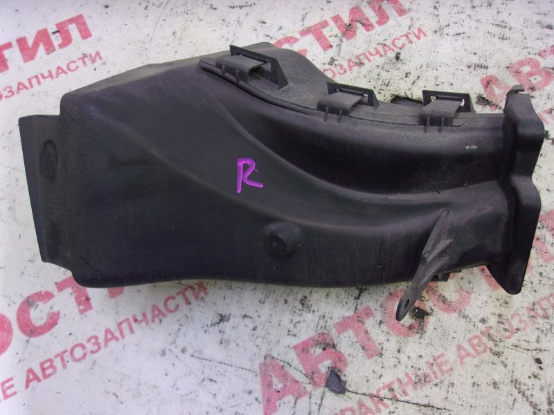 Воздуховод обдува колодок Bmw 1-Series E87 N46B20 2004-2007 передний правый
