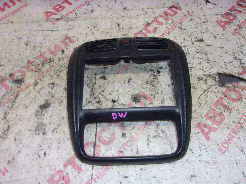 Консоль магнитолы Mazda Demio DW3W, DW5W B3 2000