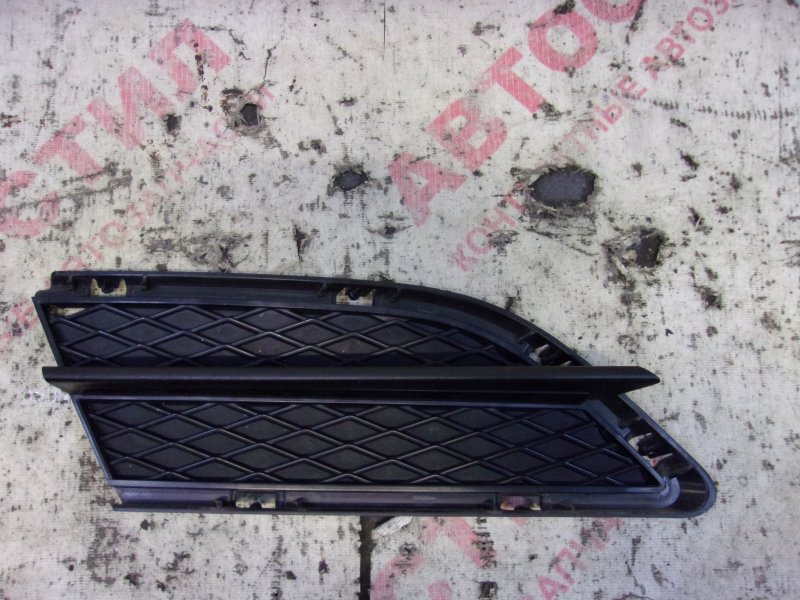 Заглушка бампера Bmw 3-Series E90 N46B20 2010 правая