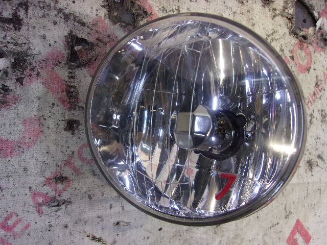 Туманка Toyota Voxy AZR60G, AZR65G 1AZ 2001-2004 левая