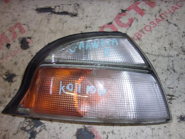 Габарит Toyota Granvia RCH11W, VCH10W, VCH16W, KCH10W, KCH16W 5VZ 1997-1999 правый