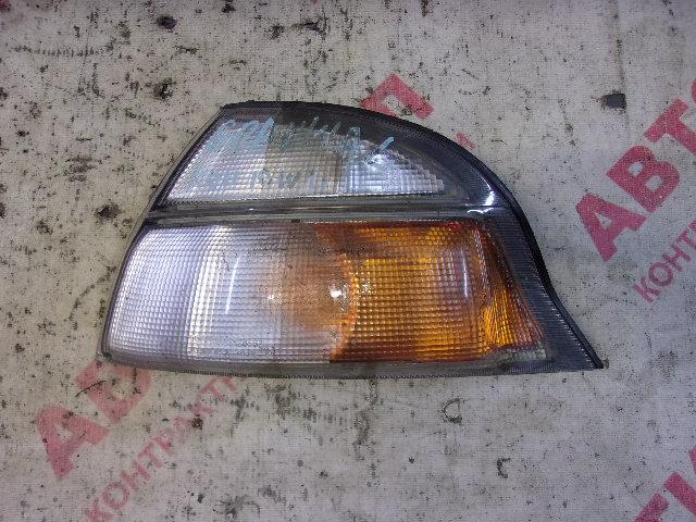 Габарит Toyota Granvia RCH11W, VCH10W, VCH16W, KCH10W, KCH16W 5VZ 1997-1999 левый