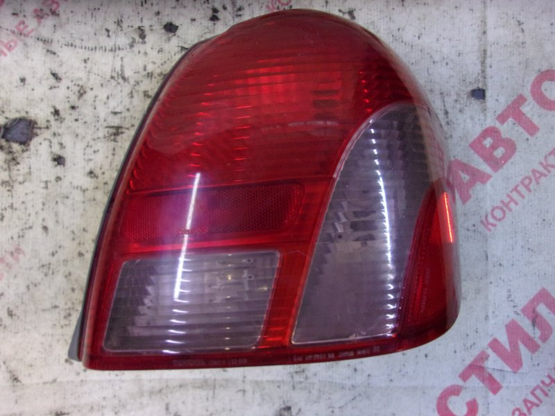 Стоп-сигнал Toyota Platz NCP12, NCP16, SCP11 1NZ 2000 правый