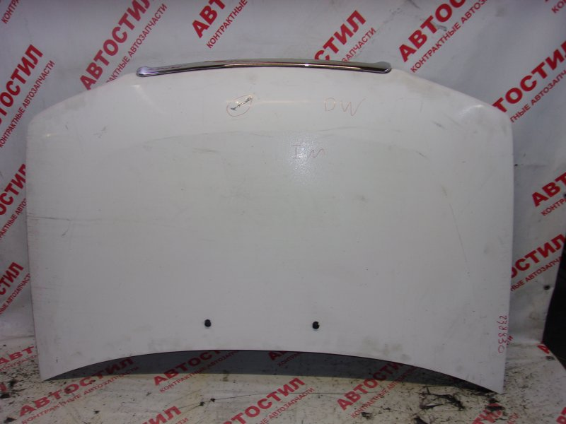 Капот Mazda Demio DW3W, DW5W B3 1997