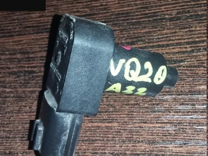 Датчик положения коленвала Nissan VQ20DE