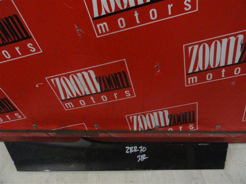 Накладка Toyota Voxy ZRR70 3ZR-FE 2008 задняя правая черный