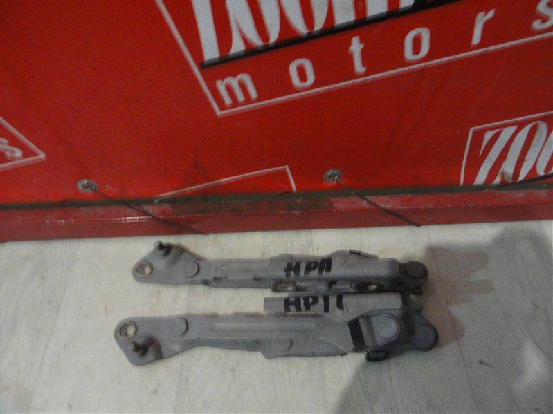 Кронштейн багажника Nissan Primera HP11 задний
