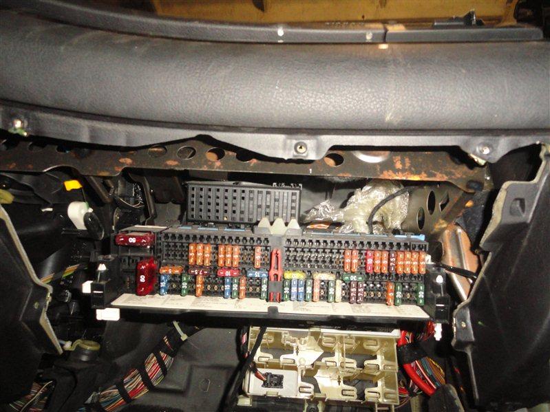 Блок реле и предохранителей Bmw 325I E46 M52 B20 1998