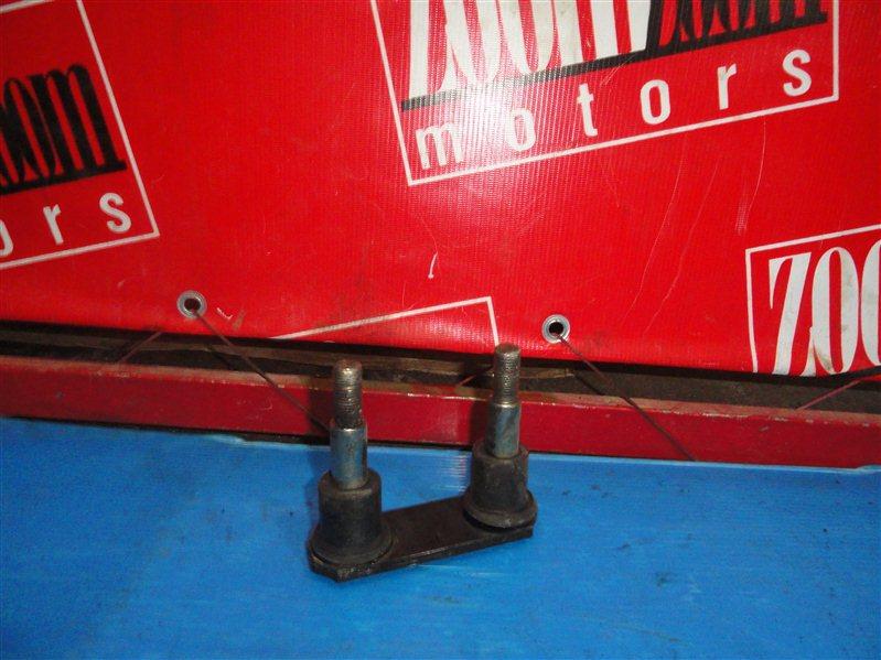 Серьга рессоры Mazda Bongo SK82V 2003 задняя