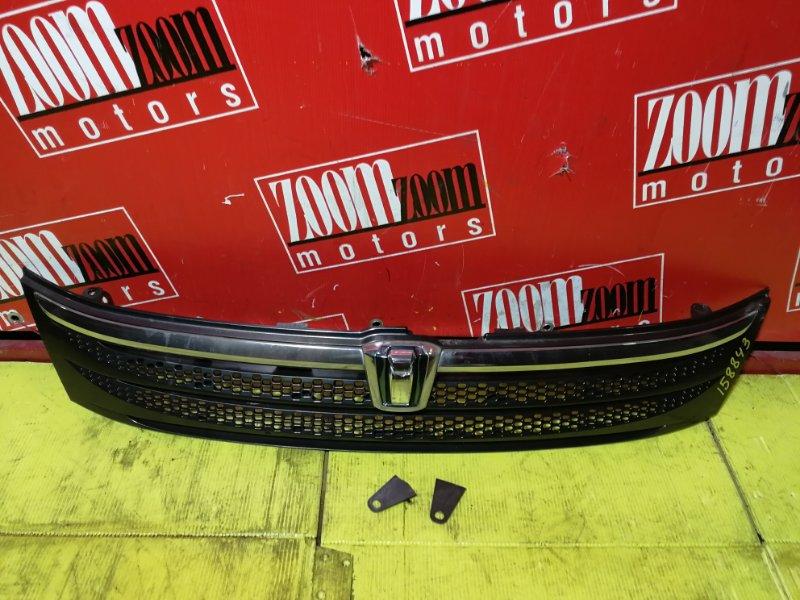 Решетка радиатора Toyota Isis ZNM10 1ZZ-FE 2004 передняя серый