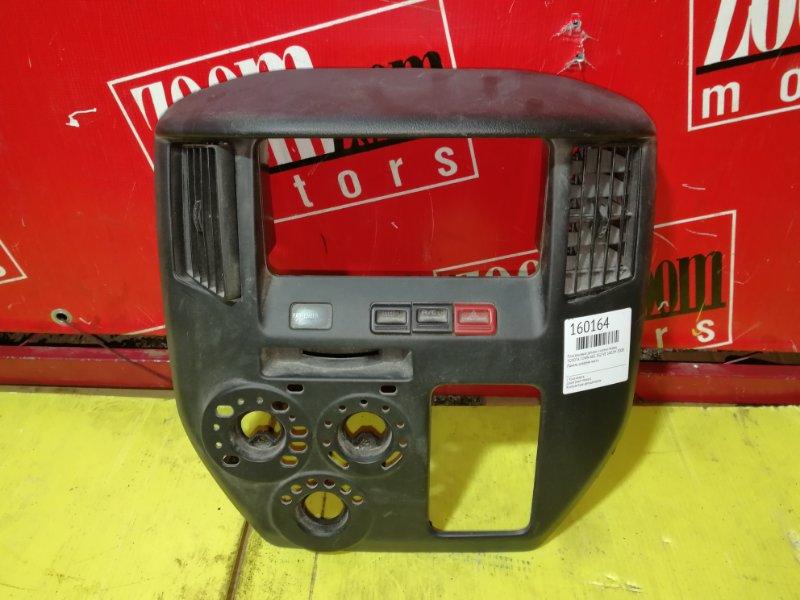 Рамка (консоль магнитофона) Toyota Town Ace S402M 3SZ-VE 2008 передняя