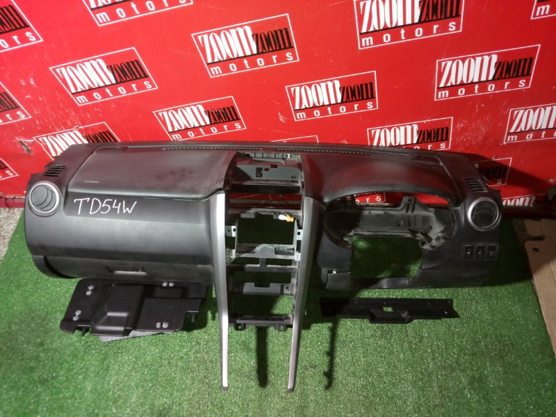 Панель передняя в салон (торпеда) Suzuki Escudo TD54W J20A 2006 передний