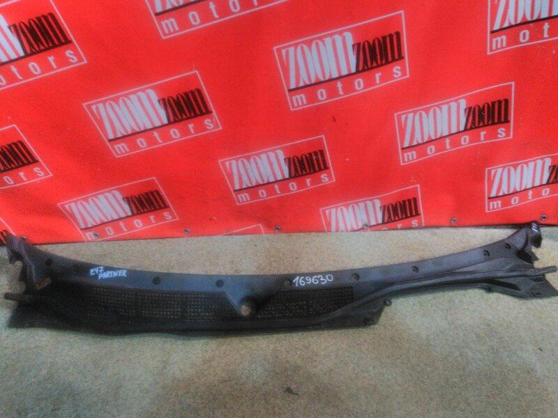 Решетка под лобовое стекло Honda Partner EY7 D15B 1996