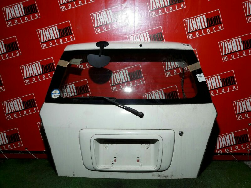 Дверь задняя багажника Daihatsu Pyzar G301G задняя белый