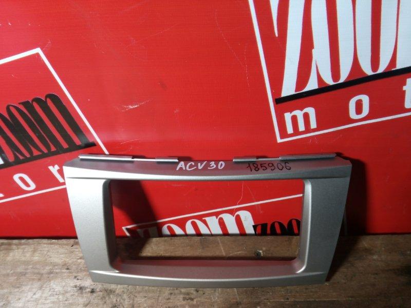 Рамка (консоль магнитофона) Toyota Camry ACV40