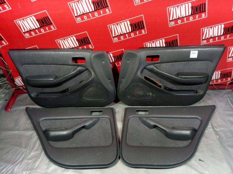 Обшивка двери Toyota Camry SV30 3S-FE