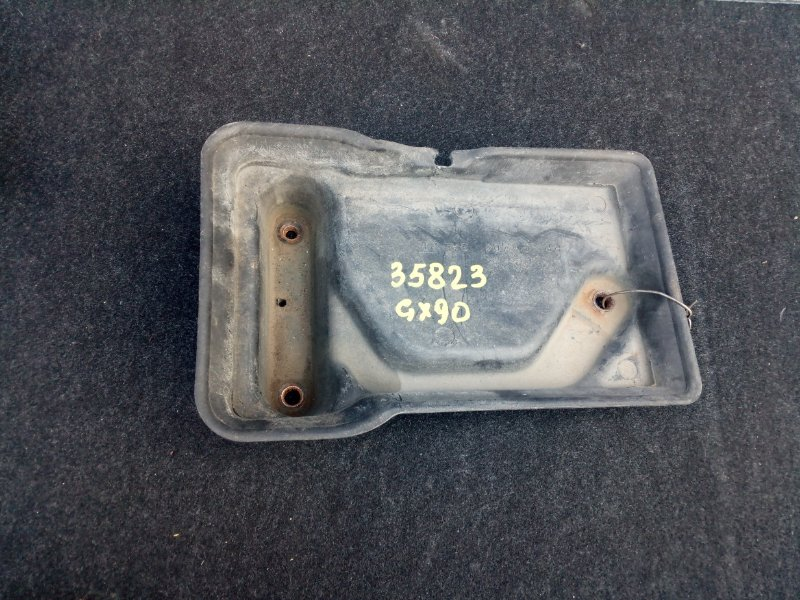 Полка под аккумулятор Toyota Mark Ii GX90 1992