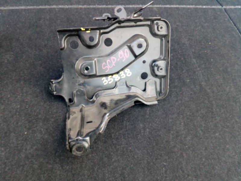 Полка под аккумулятор Toyota Vitz KSP90 2005