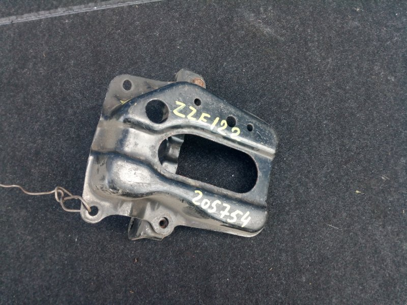 Полка под аккумулятор Toyota Corolla Fielder ZZE122 2ZZ-GE 2000