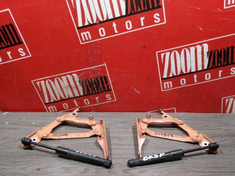 Кронштейн багажника Mazda Axela BK5P ZY-VE 2002 задний оранжевый
