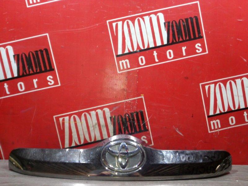 Накладка двери Toyota Ractis NCP100 1NZ-FE 2004 задняя хром