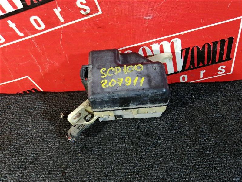 Блок реле и предохранителей Toyota Vitz Clavia SCP13 2SZ-FE 1999 передний