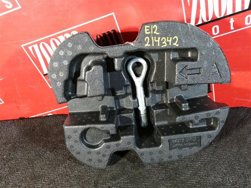Буксировочный крюк Nissan Note E12 HR15DE 2012
