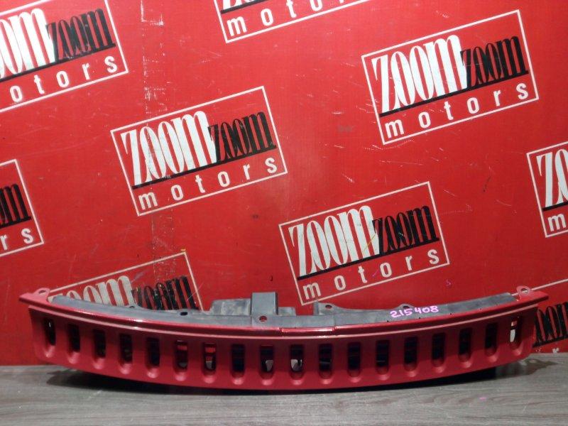 Решетка радиатора Toyota Porte NNP10 2NZ-FE 2004 передняя красный