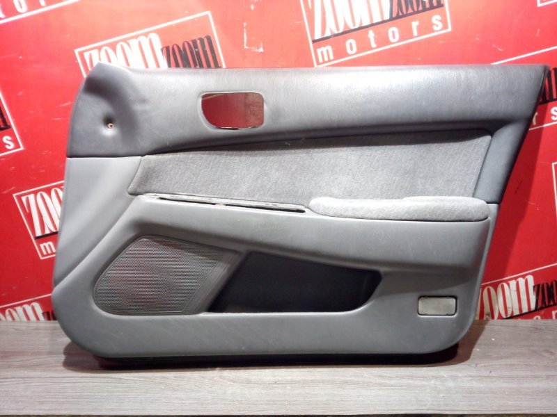 Обшивка двери Toyota Vista SV40 4S-FE 1993 передняя правая
