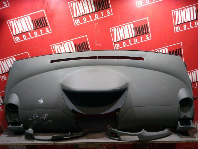 Панель передняя в салон (торпеда) Toyota Vitz KSP90 1KR-FE 2005 передний коричневый