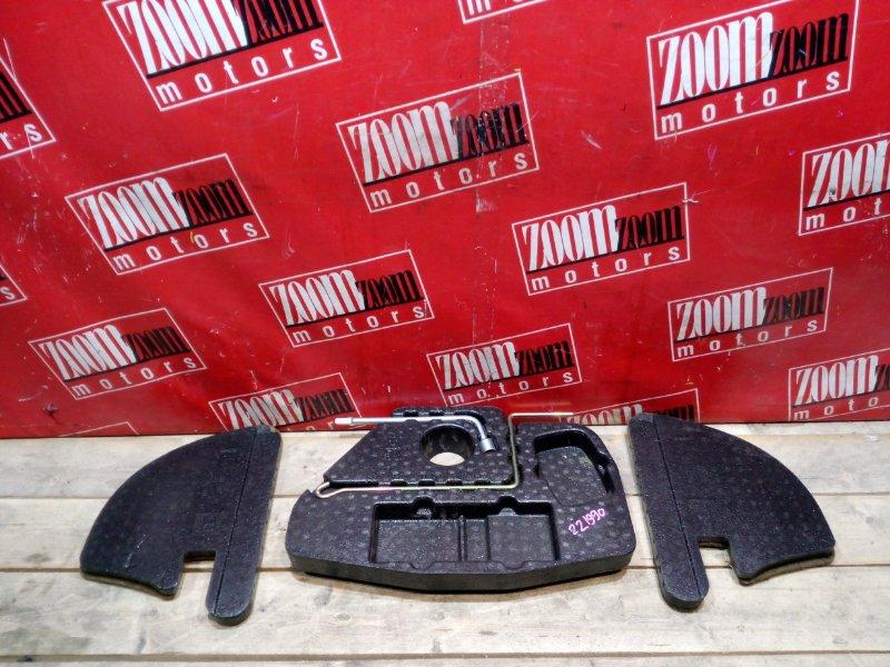 Пластиковые детали салона Toyota Corolla Spacio AE111 4A-FE 1995 заднее